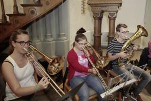 Jeden Dienstag probt Charlotte Beckmann mit dem Posaunenchor Sudbrack in der Johanniskirche. Foto: Elbracht